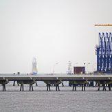 Pipelines running over the ocean